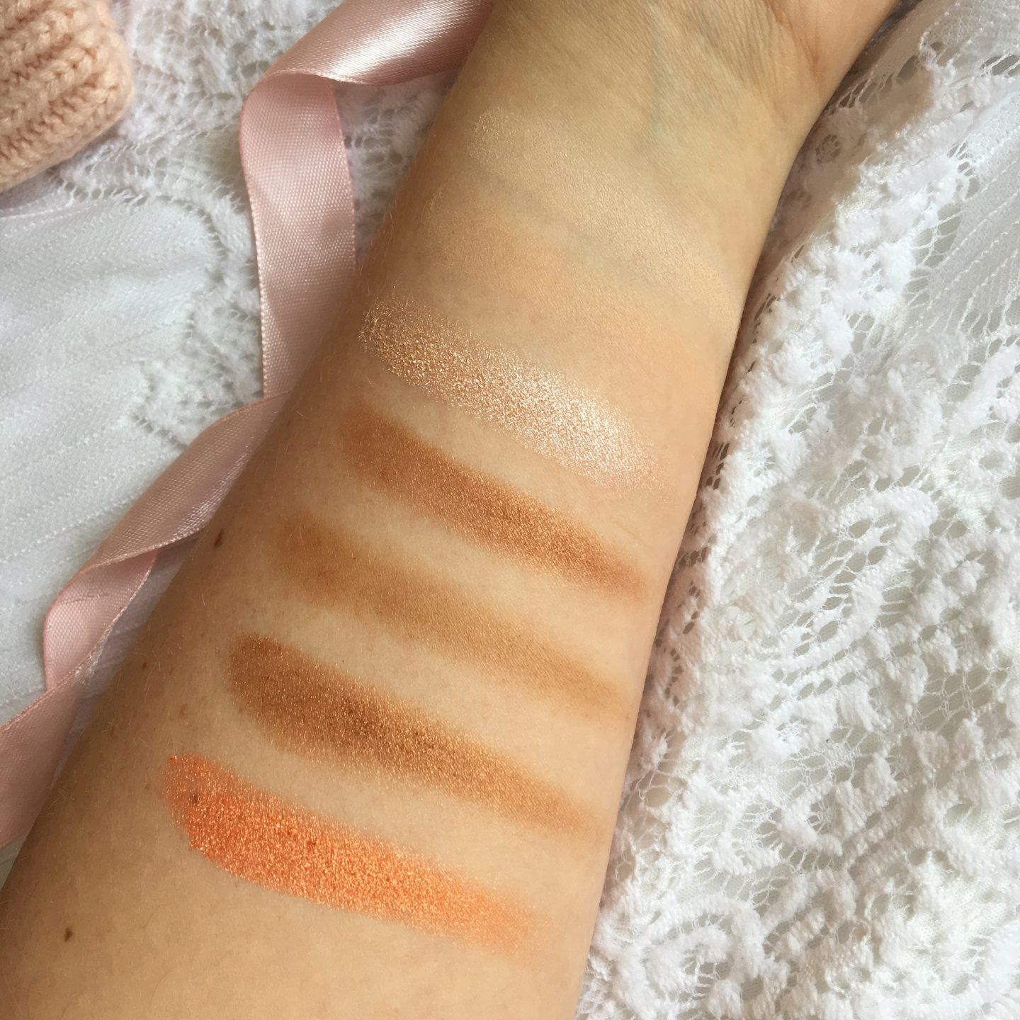 Crown Brush 35 Rose Gold Palette Review and Swatches* | Row 1 Swatches
