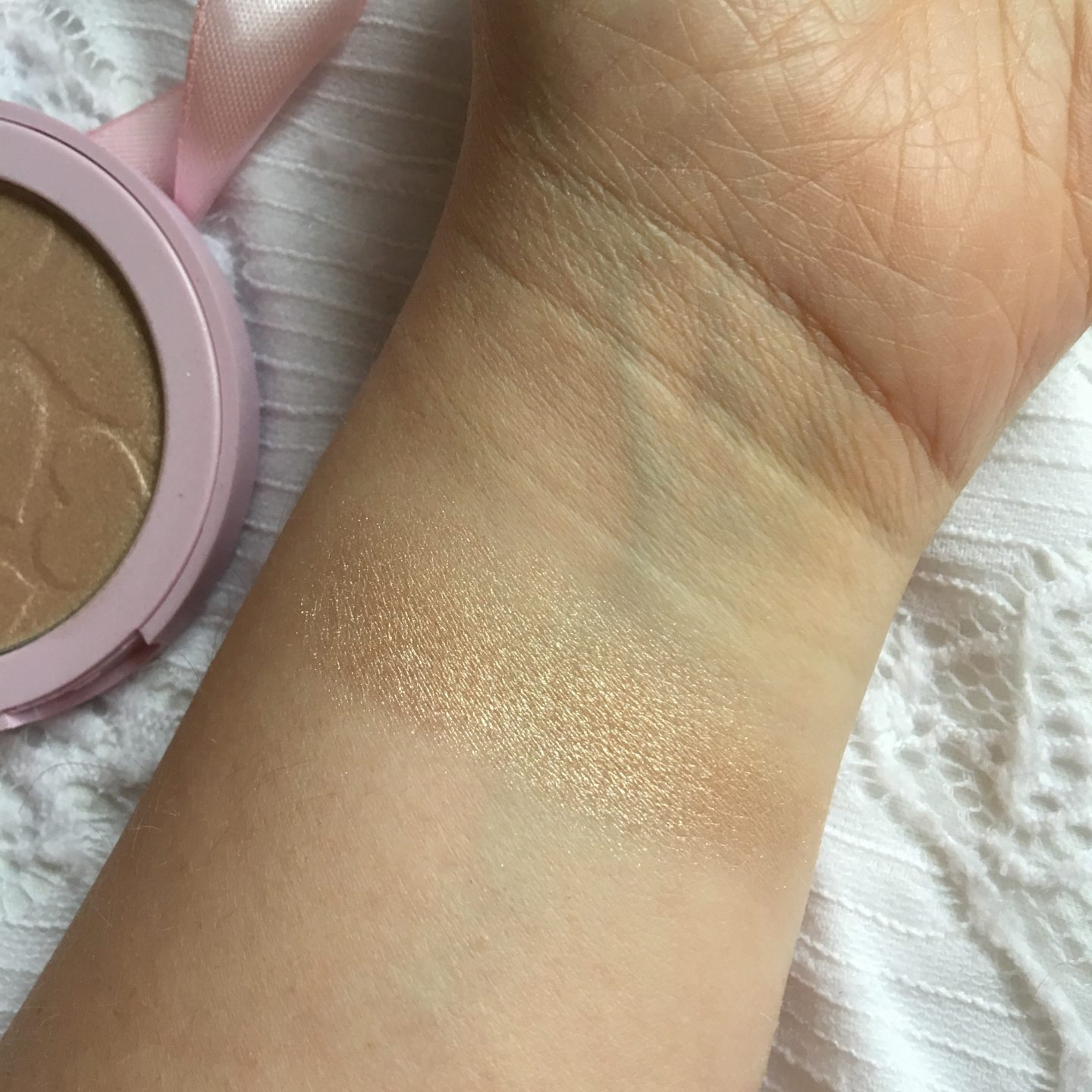 Doll Beauty Like A Diamond Highlighter Review | Swatch
