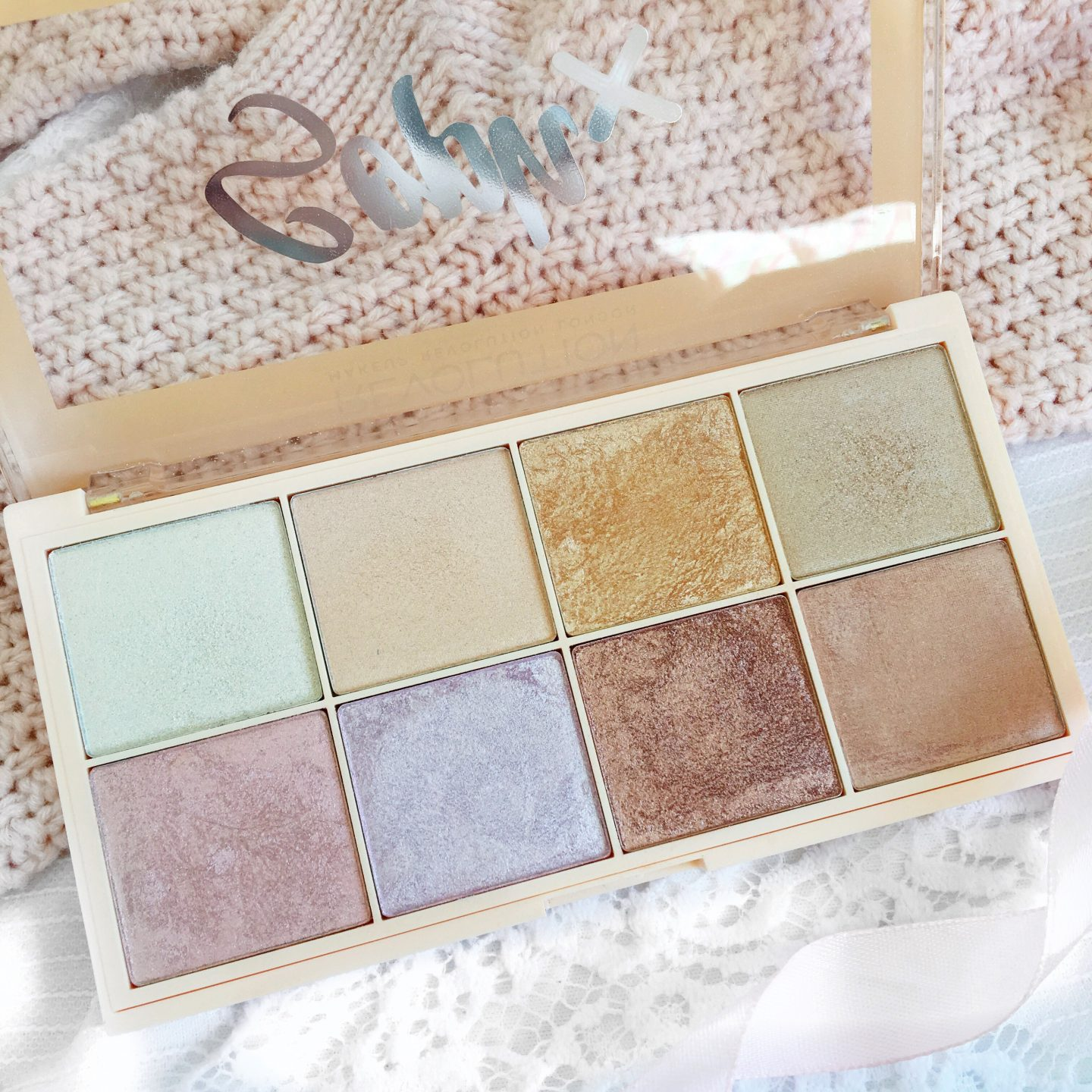 September Favourites 2017 | Soph Highlighter Palette