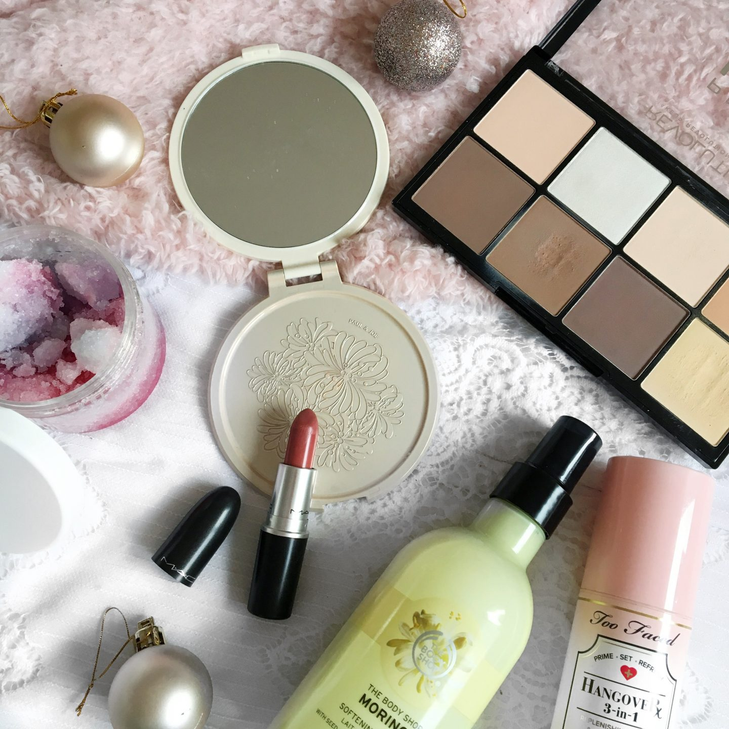 Blogmas Day 1: November Favourites
