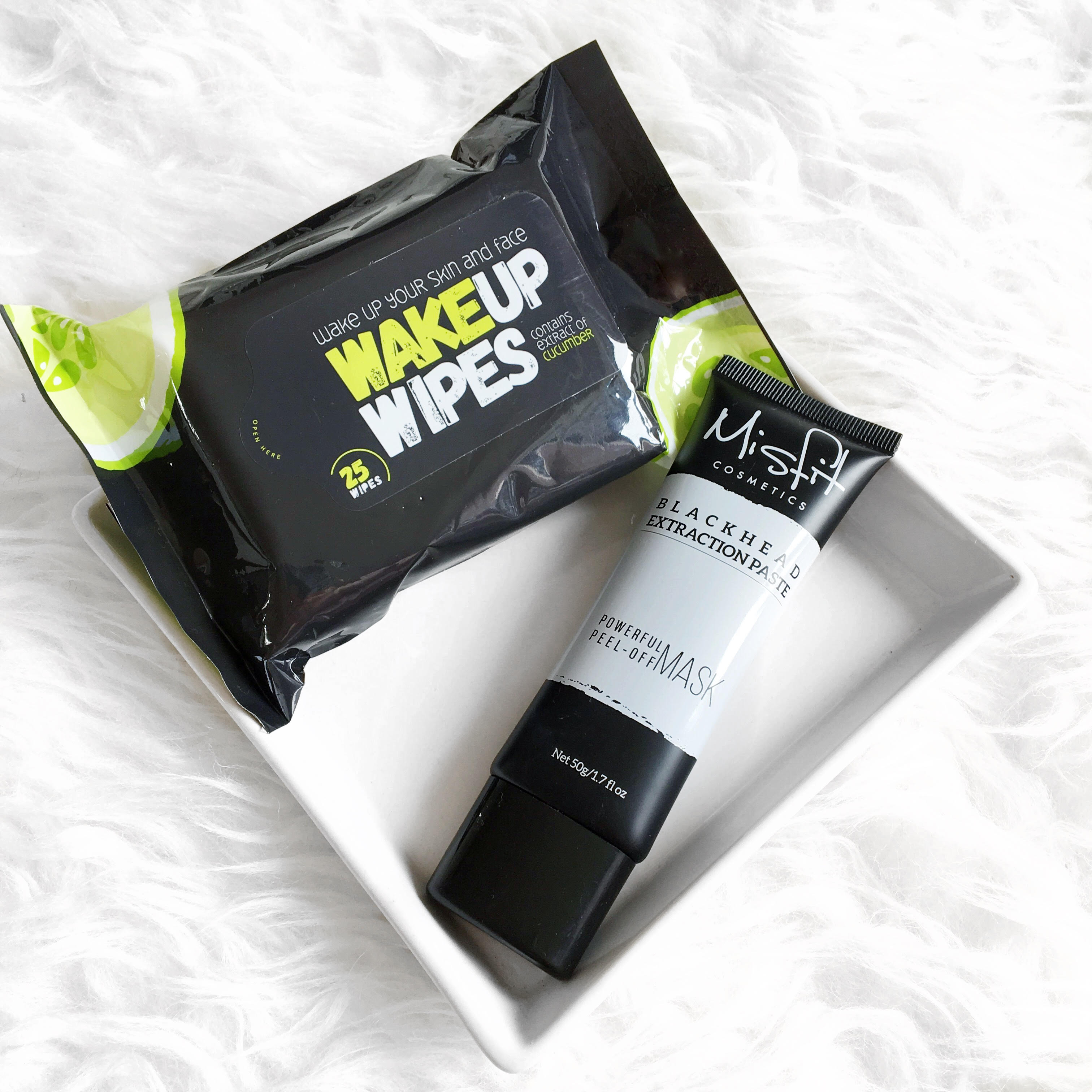 Misfit Cosmetics: Blackhead Extractor Paste and Wake Up Wipes Review*